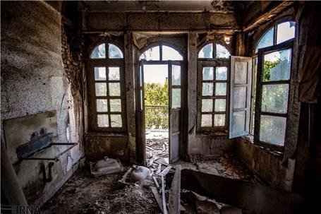 هتل ۹۰ ساله اصفهان متروک و مخروبه شده است