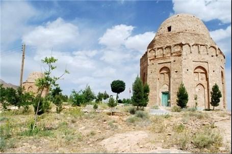 کشف و ضبط ۵۸ سنگ قبر قدیمی در یزد
