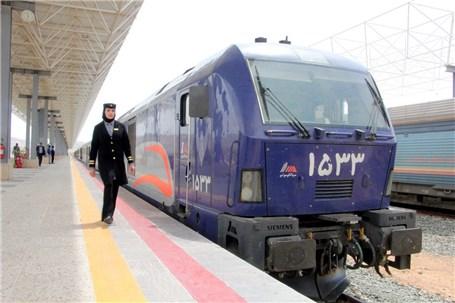 قطار سریع السیر تهران- قم- اصفهان باید تکمیل شود